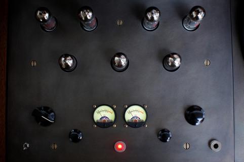 amp-detail